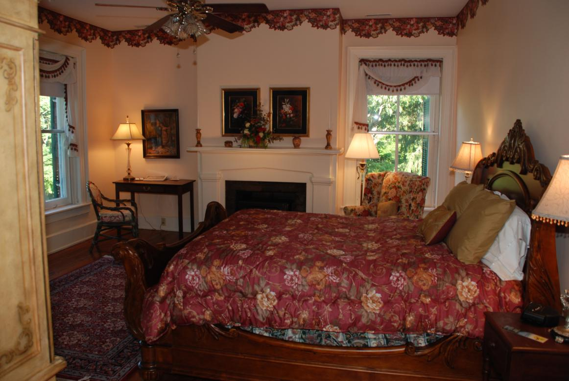 The Cowan Retreat at Rockwood Manor Bed and Breakfast