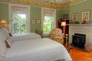 Auntie Black\u0027s Room & Auntie Black\u0027s Room - Rockwood Manor